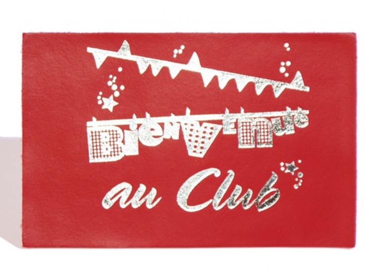 Carte Postale Cuir 'Bienvenue au Club' Rouge